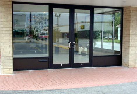 Commercial glass entrance ways for chicago stores for Commercial entry doors